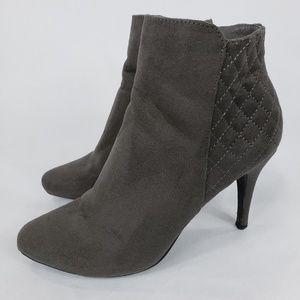 Dexflex Gray Suede Waffle Design Zip Ankle Boots